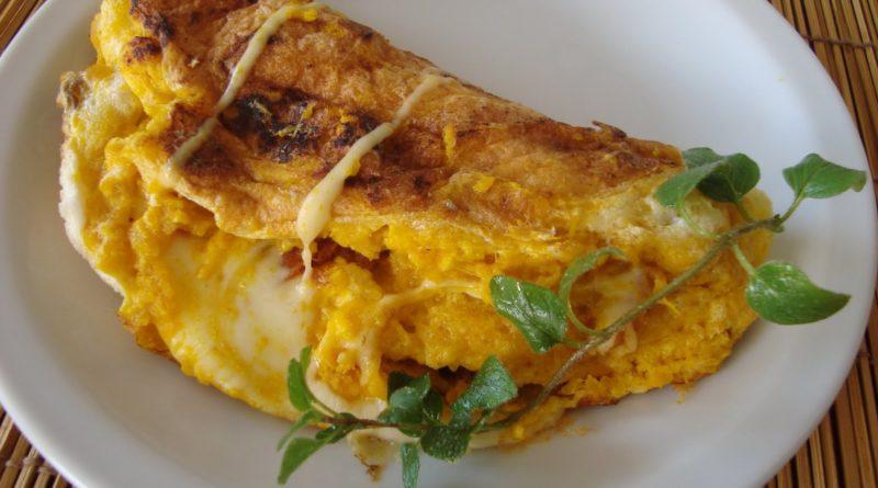 omelette de pollo y vegetales
