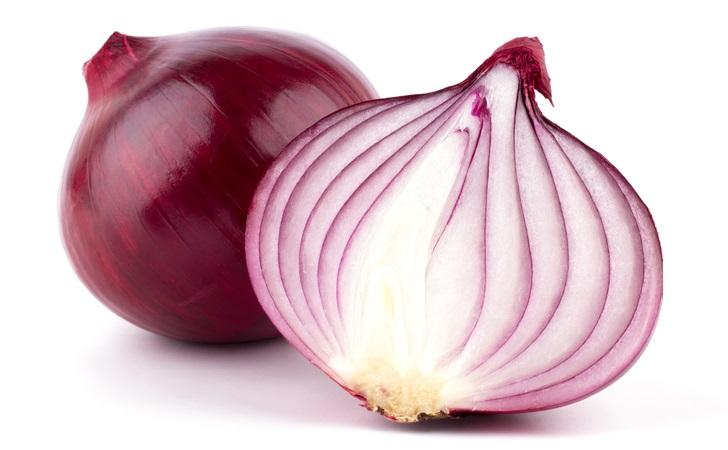 remedios caseros con una cebolla