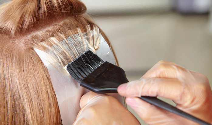 riesgos de teñirse el cabello