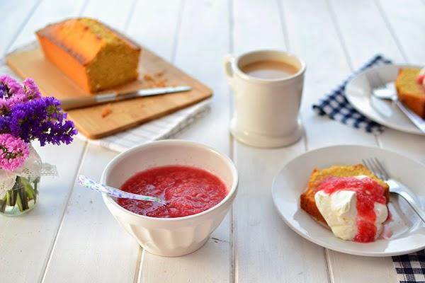 Compota de ruibarbo: recetas para niños y adultos