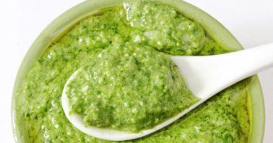 preparar salsa pesto